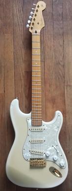 Fender Stratocaster Richie Kotzen Signature guitarpoll