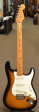 Fender Stratocaster 57 Reissue op guitarpoll