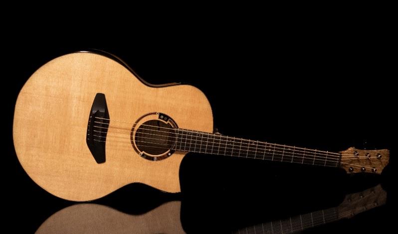 joi hennep gitaar guitarpoll