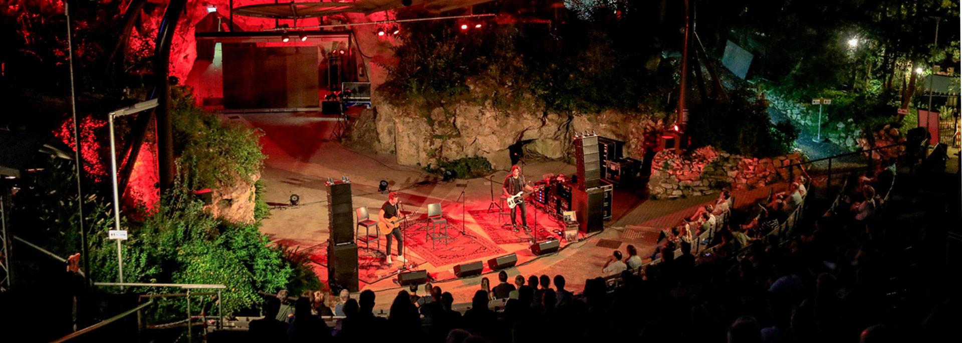 openlucht theater valkenburg op guitarpoll